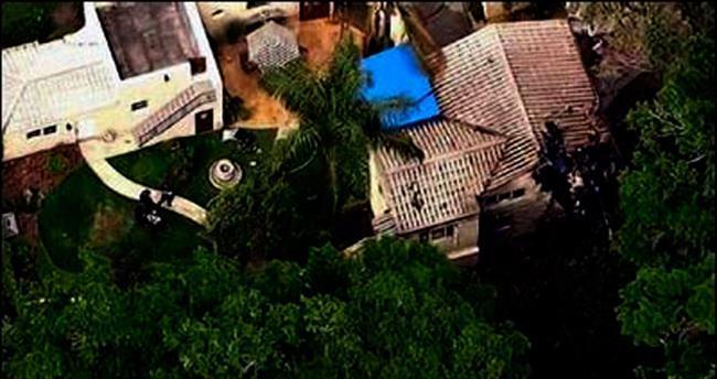 Helikopter evin çatısına düştü: 1 ölü