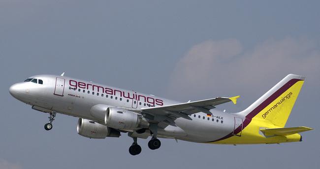 Fransa'da yolcu uçağı düştü: 148 kişiyi taşıyordu