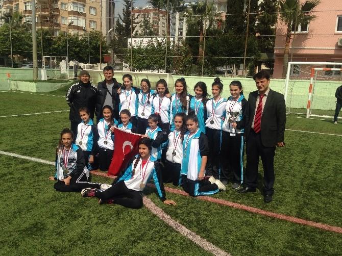 Okullararası Yıldız Kızlar Futbol Müsabakaları Tamamlandı