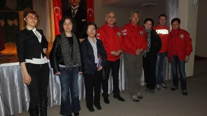 Burhaniye'de Öğrenciler Deprem Konferansına Katıldı