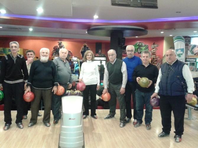 Yaşlılar Bowling Turnuvasında