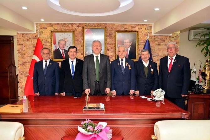 Muharip Gaziler'den Başkan Saraçoğlu'na Ziyaret