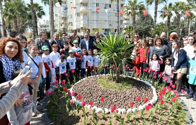 Başkan Uysal, Öğrencilerle Birlikte Açılış Yaptı