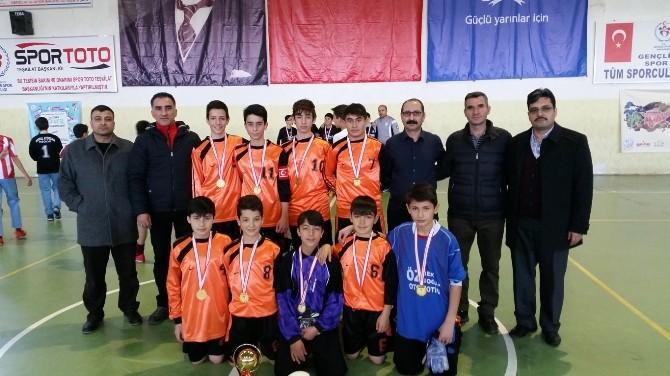 Gazi Ortaokulu Futsal Takımı Finallere Katılacak