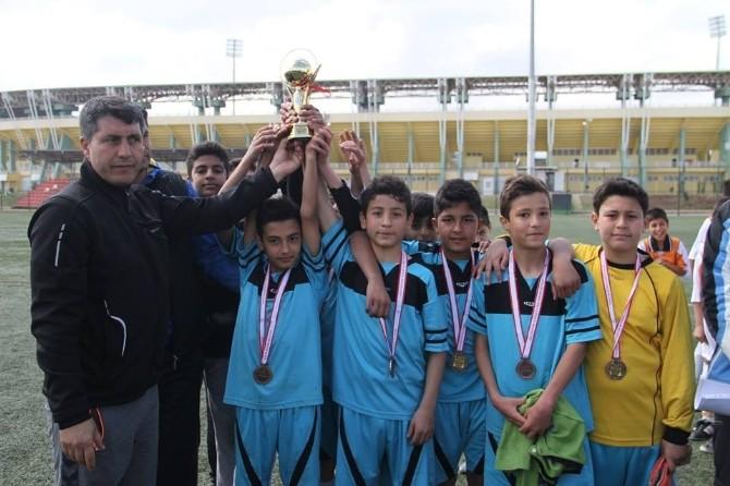 Küçükler Futbol Turnuvası Sona Erdi