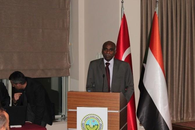 Sudan Yatırım Ve Sanayi Bakanı Adda Alla Ahmed: