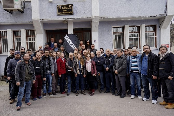 Edirne'de Basın Derneklerinden 'Akreditasyon' Eylemi