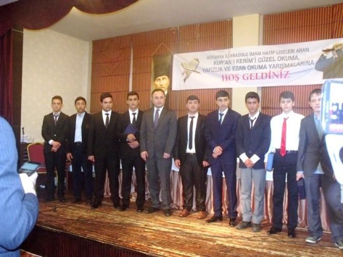 Gediz Anadolu İmam Hatip Lisesi Kuran Okuma Yarışması'nda İkinci Oldu