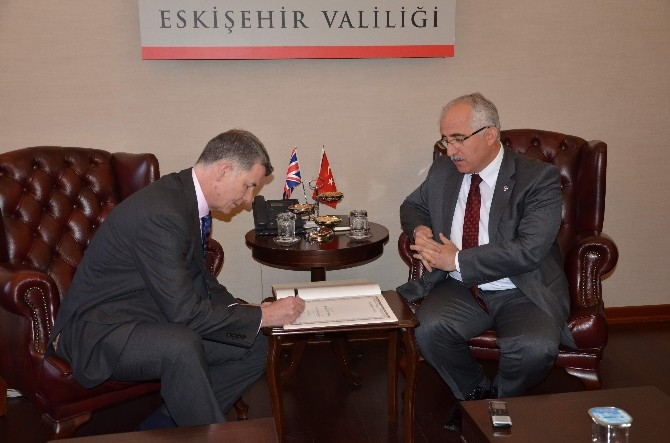 """Büyükelçi Moore; """"Uluslararası Toplumların Türkiye'ye Teşekkür Etmesi Lazım"""""""