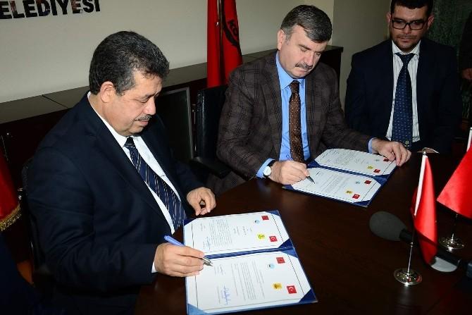 Konya İle Fas'ın Fes Şehri Arasında Kardeş Şehir Protokolü İmzalandı
