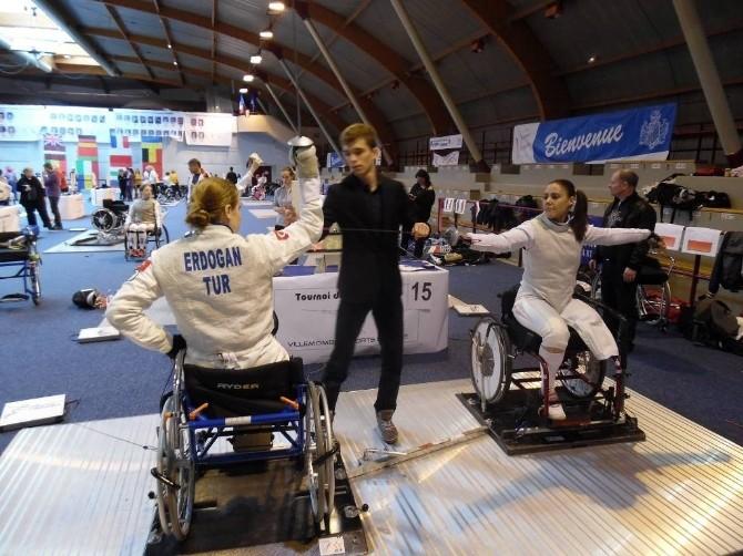 Engelli Eskrimcilerden Uluslararası Başarı