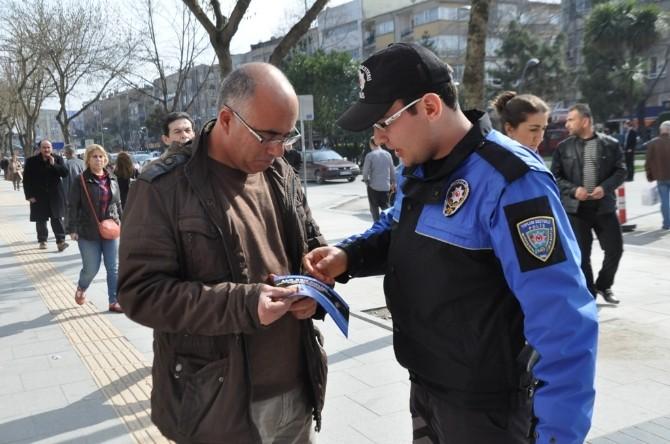 Toplum Destekli Polisler Vatandaşları Dolandırıcılara Karşı Vatandaşları Uyarıyor