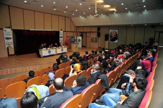 """YYÜ'de """"Ortak Yaşama Kültürü Ve Felsefesi"""" Paneli"""