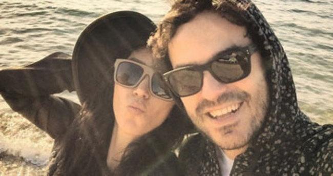 Hande Yener Sebastian beach için arayışta