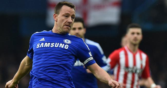 Terry bir yıl daha Chelsea'de