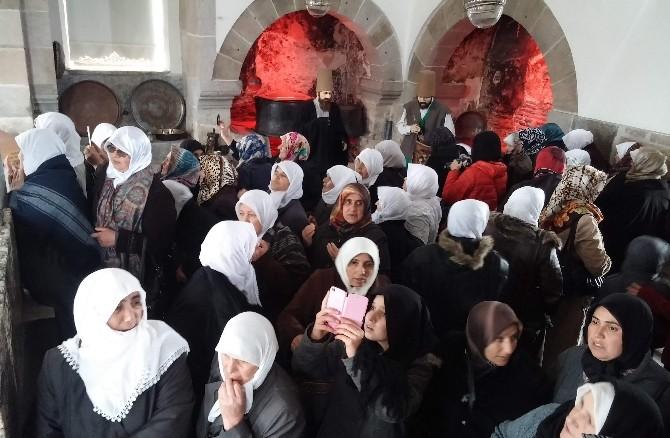 Kursiyelerler Konya'yı Gezdi