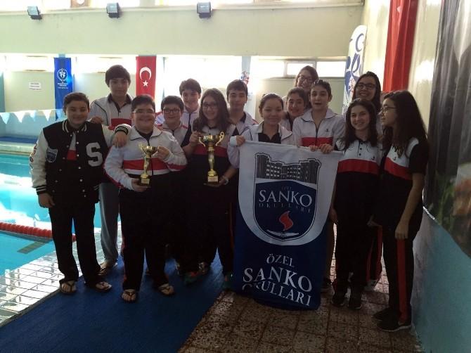 Özel Sanko Okulları Yüzme Başarısı