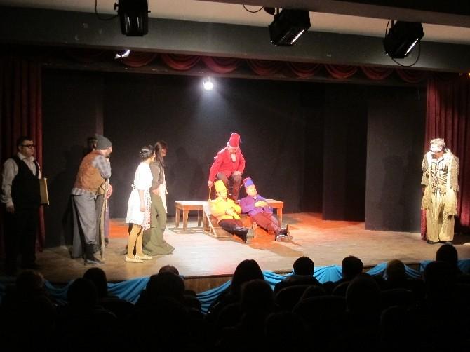 Amatör Tiyatroculardan Profesyonel Gala