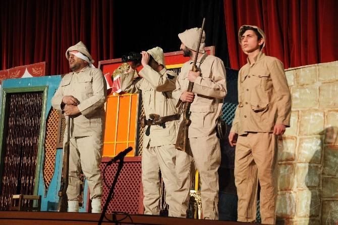 Çanakkale Tiyatrosu Hem Duygulandırdı Hem De Gururlandırdı
