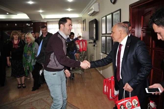Yabancı Konuklar Başkan Çalışkan'ı Ziyaret Etti