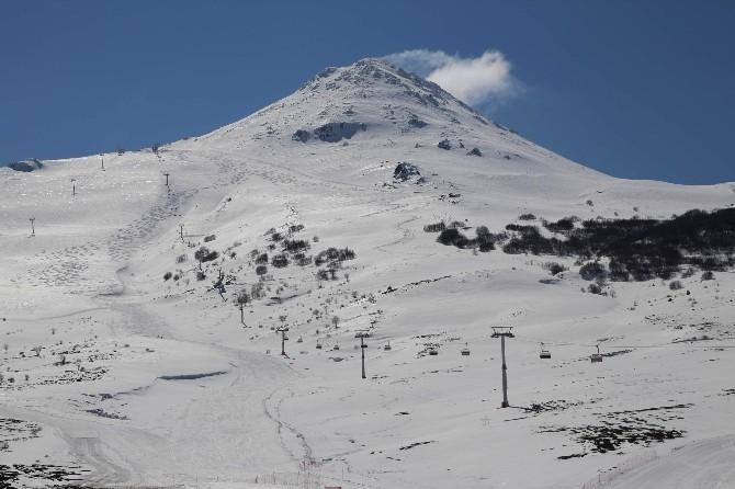 Yıldız Dağı Kayak Merkezine 'Yapay Karlama Sistemi' Kurulacak