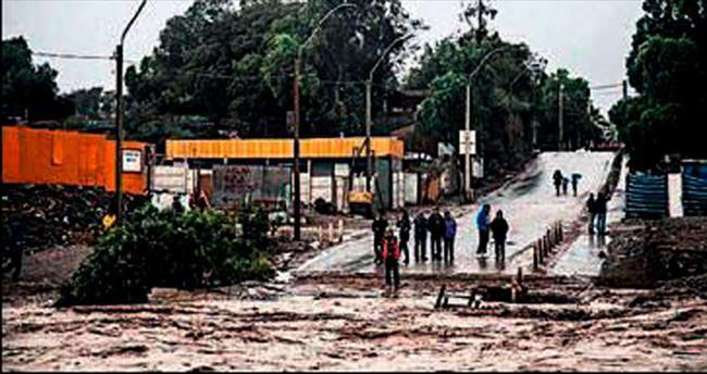 En kurak bölgede sel baskını: 2 ölü