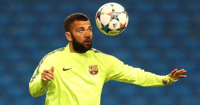 Alves, PSG ile görüşüyor