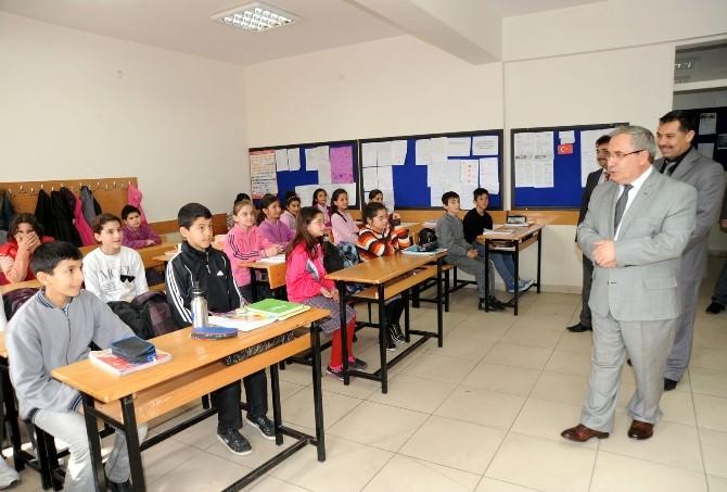 Vali Nayir Taşımalı Eğitim Gören Okullarda İncelemede Bulundu