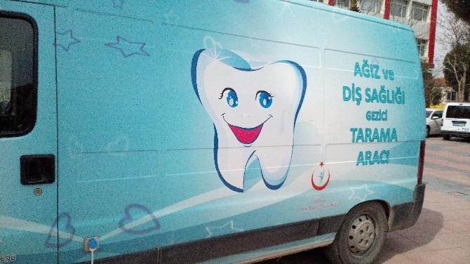 Soma'da Mobil Araçla Ücretsiz Diş Taraması