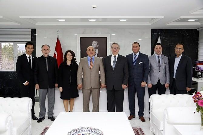 Tekstil Üniversite İşbirliği Büyüyecek