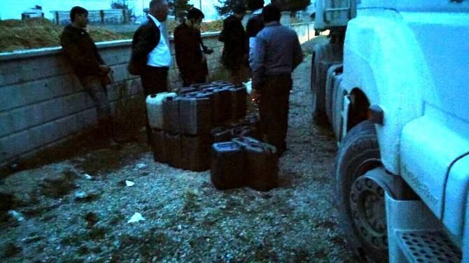 Uşak'ta 10 Numara Madeni Yağ Satanlar Yakalandı