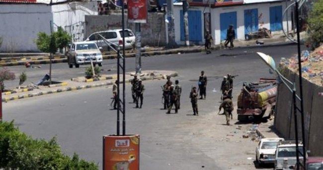 Diplomatlar Yemen'den tahliye ediliyor