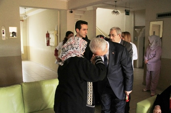 Başkan Başsoy Yaşlıları Unutmadı