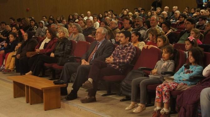 Doğaçlama Tiyatro Gösterisi Didim'de Büyük Beğeni Topladı