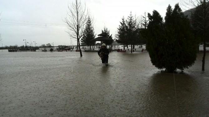 Seydişehir'de Kuğulu Park'ı Su Bastı