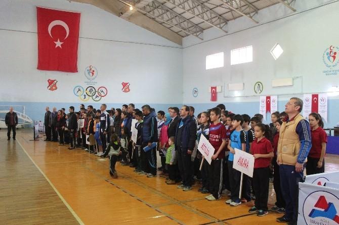 Ağrı'da Masa Tenisi Grup Müsabakaları Başladı