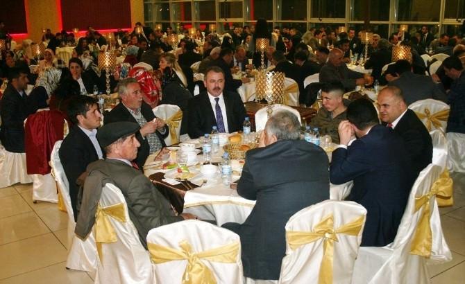 Tanıtım Gecesinde Kandaşoğlu'na Yoğun İlgi
