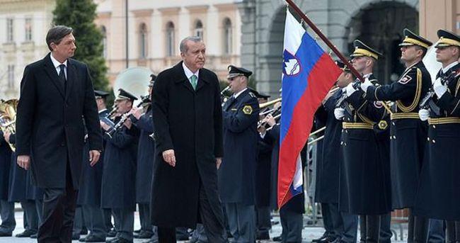 Erdoğan Slovenya'da törenle karşılandı