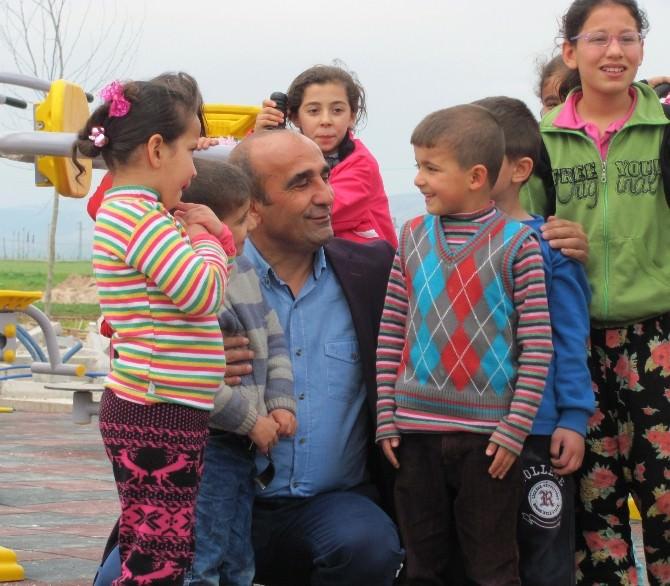 Başkan Özdemir'e Çocuklardan Büyük Sevgi