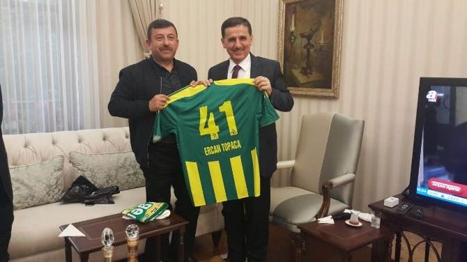 Başkan Karabacak Vali Topaca'yı Ziyaret Etti