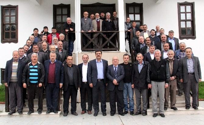 Bozkurt MHP'den Muhtarlara Yemek