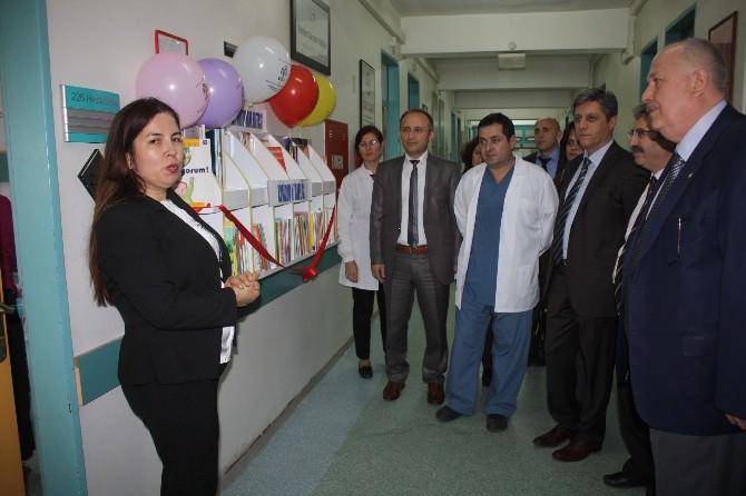 Çocuk Hastanesine Koridor Kitaplığı Açıldı