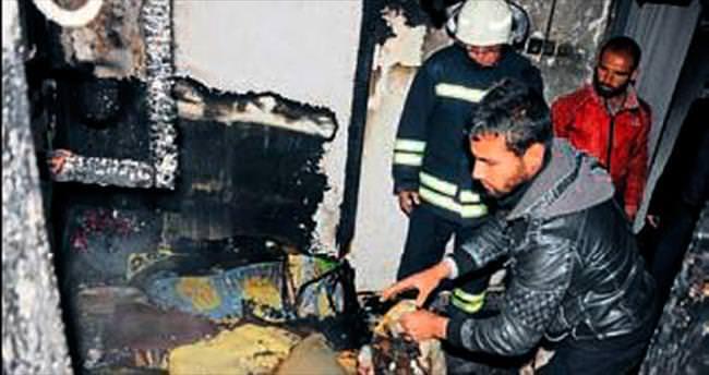 Suriyeli ailenin eşyaları yandı