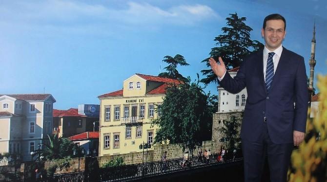 Salih Cora Trabzon'un Ağabey Rolünü Üstlenmesini İstiyor