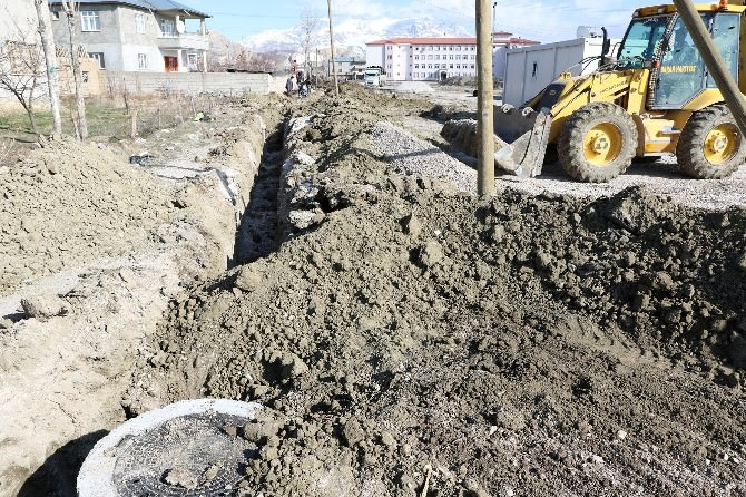 Vaski'den Kanalizasyon Hattı Çalışması