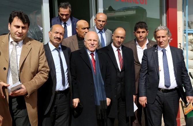 Başkan Sekmen, Çat İlçesinde Muhtarlarla Toplantı Yaptı