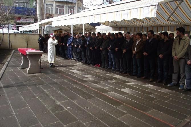 Bayburt'ta Savcı Mehmet Selim Kiraz İçin Gıyabi Cenaze Namazı Kılındı