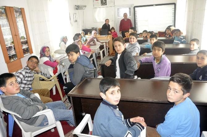 Bu Camiye Giden Çocuklar Ödüllendirilecek
