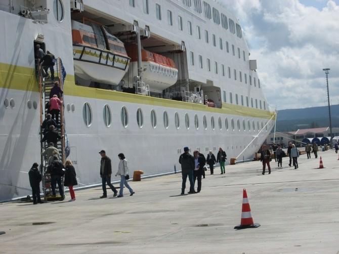 Çanakkale Limanı 2015 Kruvaziyer Sezonunu Açtı