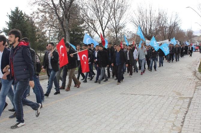 Elazığ'da Türkeş İçin Yürüdüler